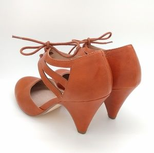 Restricted Shoes - 40's retro style lace-up heels